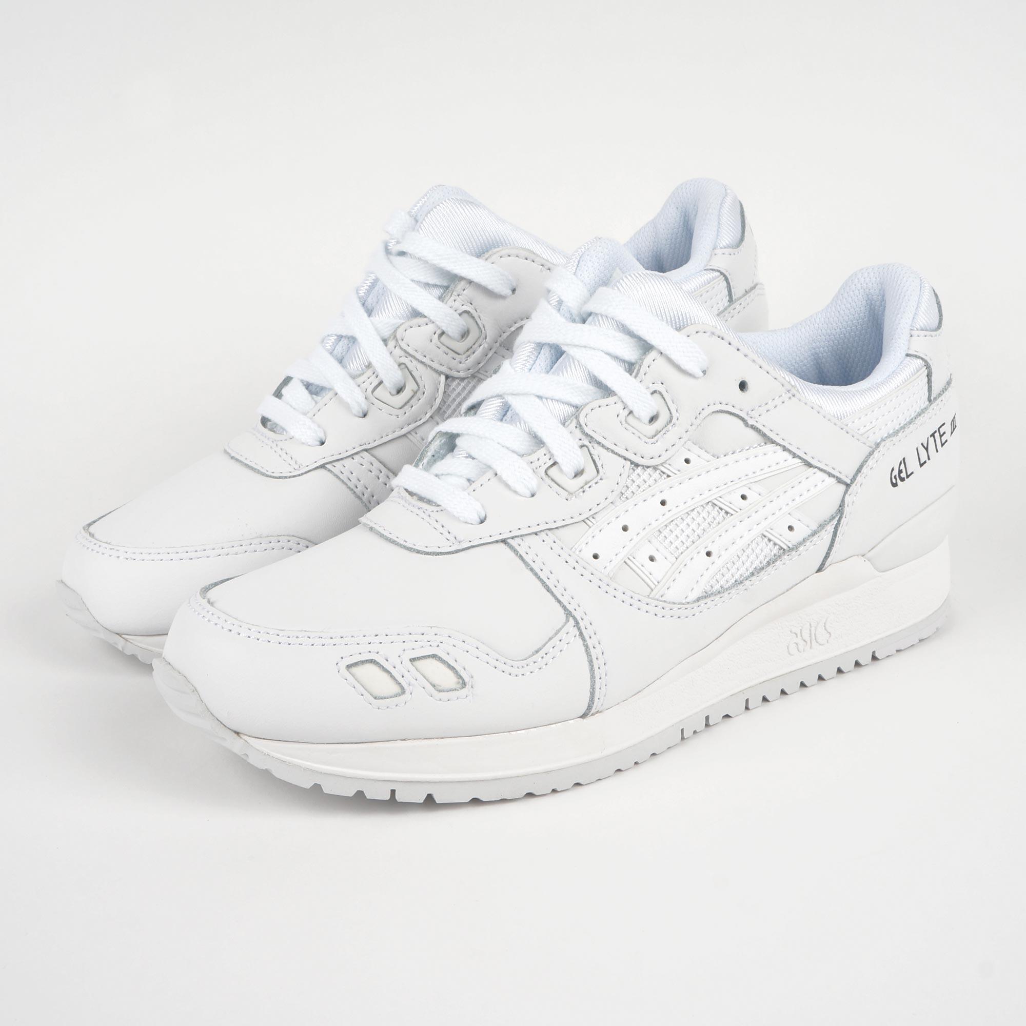 chaussure femme asics